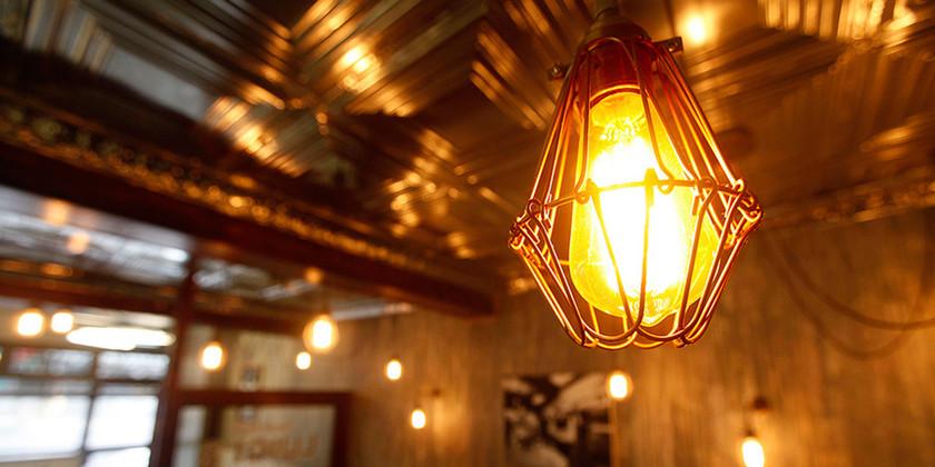 LED Spotlight: The Timeless Elegance of Bare Bulbs