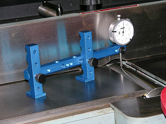 jointer-outfeed-cutter-head.jpg