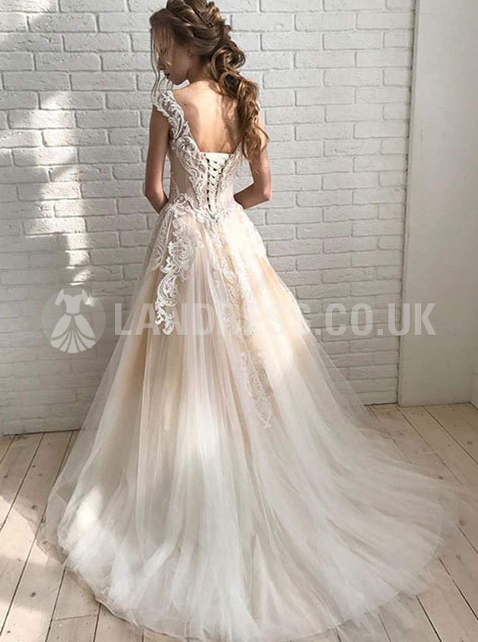 Champagne Wedding Dresses Tulle Bridal Dress With Lace Appliques