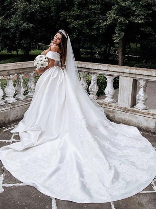 Off the Shoulder Ball Gown Bridal Dress,Satin Classic Wedding Dress,12278