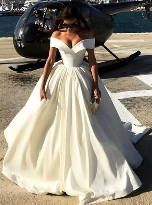 Off the shoulder Ball Gown Wedding Dress,Satin Bridal Gown,Modern Wedding Gown,11139