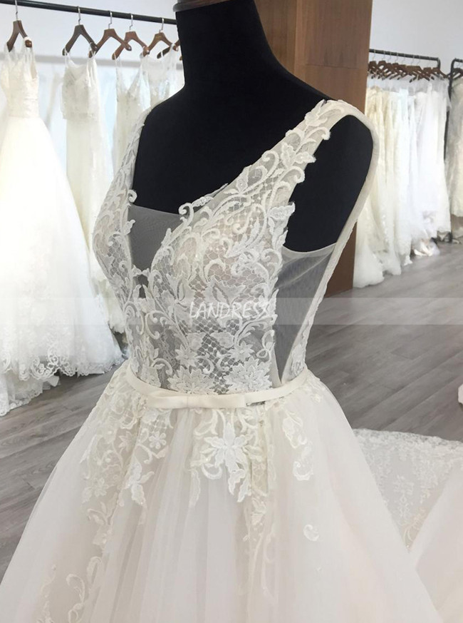 Gorgeous Wedding Dresses with Appliques,White Wedding Dress with Long Train,11568