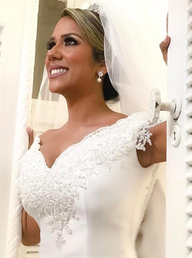 White A-line Wedding Dresses with Train,V-neck Wedding Dress,11642