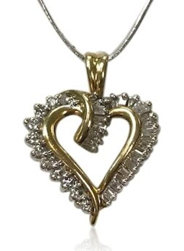 13dd4f8f03b10 14K Gold Diamond Heart Pendant 2610
