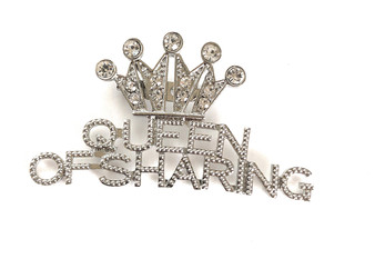 PK533 QUEEN OF SHARING SILVER