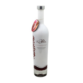 La Pinta has a surprisingly fresh and complete taste profile and can quite literally be chilled and poured straight into the glass as a perfect cocktail. The ultimate smoothness of Clase Azul silver tequila blended with pure and rich pomegranate flavors combine into the most delicious spirit