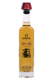 100% Blue Weber Estate Grown Agave from the Highlands. An array of sweet cooked agave, with delightful hints of apple, cherry and delicate spices. Pleasing tones of caramel, vanilla, and hints of coffee. Well balanced with a refined spice finish.