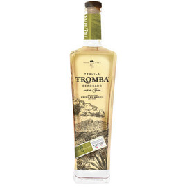 Tromba Reposado is aged in white oak American Whiskey barrels for 6 months, resulting in a rich, sweet tequila with notes of cacao, dry walnut, almond, orange and caramelized pineapple.