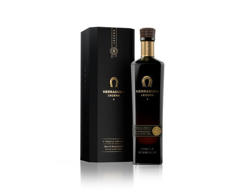 Our specially crafted handmade barrels have been heavily charred and deeply grooved, exposing the tequila to more oak wood as it ages.