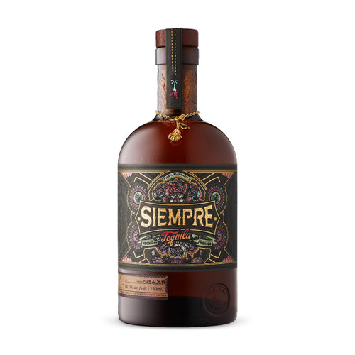This award-winning distillery ages this añejo for 24 months to give it its amber color and smoothness. Taste alluring notes of toffee, salted caramel, chocolate, vanilla, and peppercorns followed by a lasting-lasting, warm finish. Enjoy in a snifter with dark chocolate and mixed nuts.