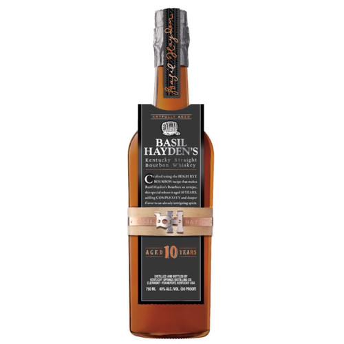 Basil Hayden's 10yr is a golden amber color with aromas of big oak, hints of char, vanilla and rye. Oak balanced by caramel sweetness and rye spice. Finish is lightly smoky with a subtle hint of char.