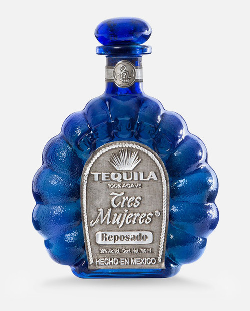 Tequila Reposado, it has a bright straw color, provides a blend of aromas of cooked agave and wood, and a warm flavor. Definitely an excellent tequila.
