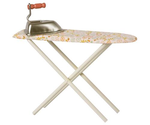 Mini Iron & Ironing Board
