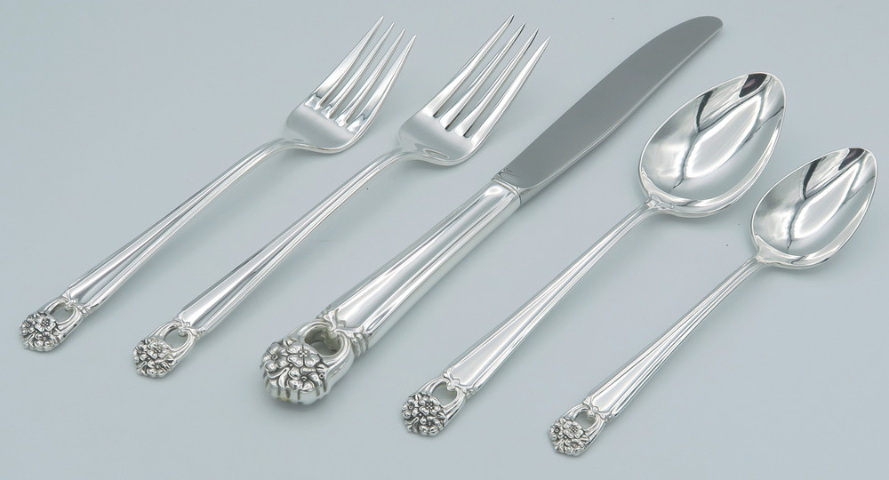Eternally Yours 5-piece place setting