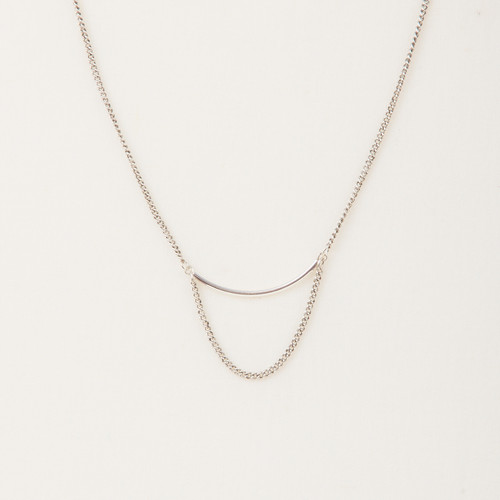 Metal Bar & Chain Loop Necklace