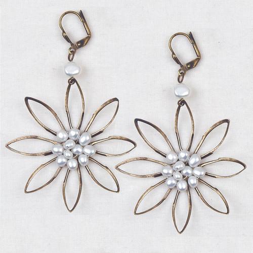 Pearl Flower Earrings*