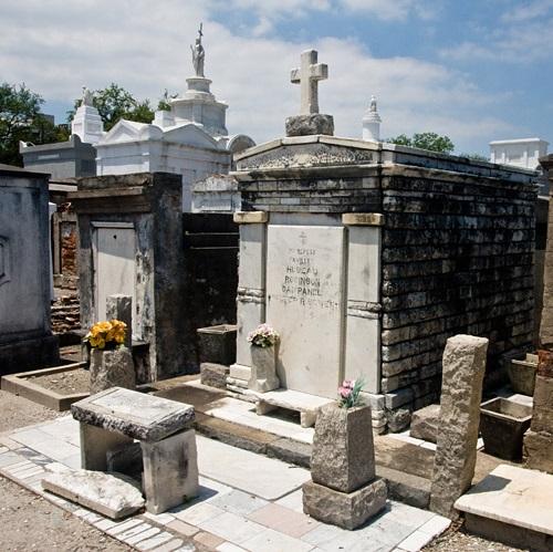 st-louis-cemetery-new-orleans.jpg