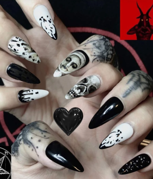 Spooky Faces Fake Nails