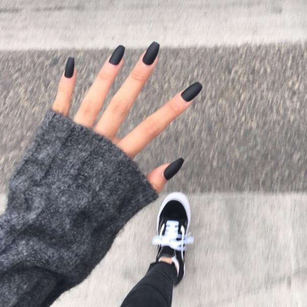 Black Fake Nails