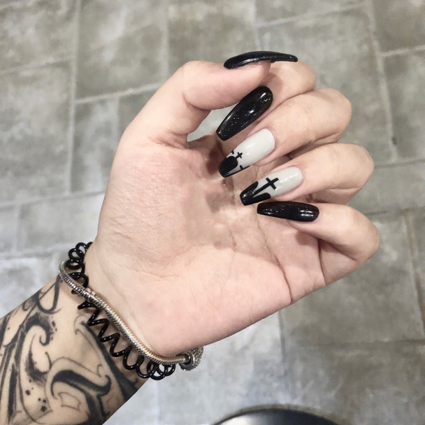Gothic Cross Fake Nails