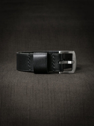 Bas and Lokes black handcrafted leather nato strap