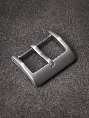 Slim steel watch buckle