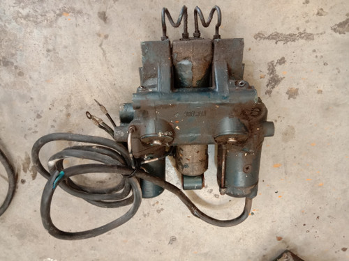 Yamaha trim unit - suits  early 115-140hp 2 stroke