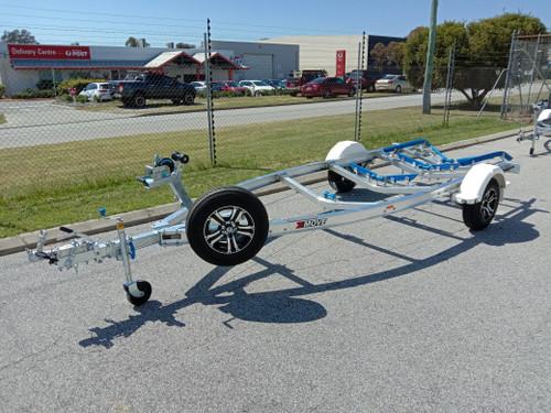 Move Alloy boat trailer 5.3m-5.7m