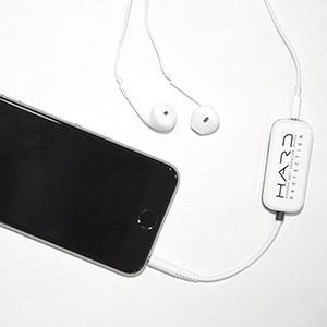 hard-with-phone-300x300-20191230.jpg