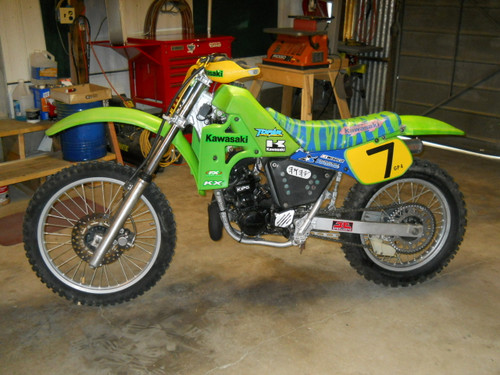 Restored 1985 Kawasaki KX250 with a Topar Racing Countershaft Guard-CaseSaver installed
