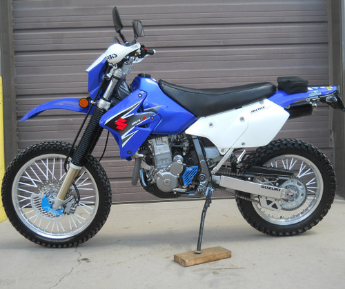 DRZ400E with TOPAR Front Disc Guard Kit and CaseSaver in Ano-Blue ENDUROCOTE