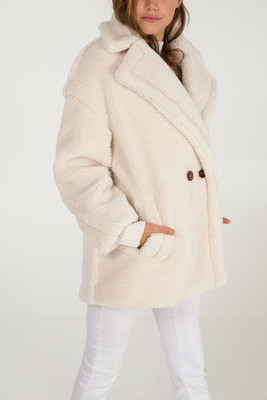 Stylish Faux Fur Teddy Coat in Cream