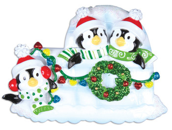 3 PENGUINS W/WREATH - OR969-3