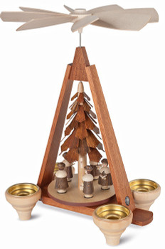 Carolers pyramid in natural wood by mueller