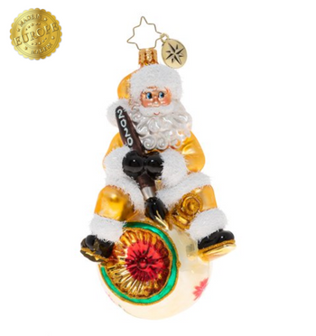 This work is spectacular, it's really something to behold. Nice work Santa, this ornament is as good as gold.