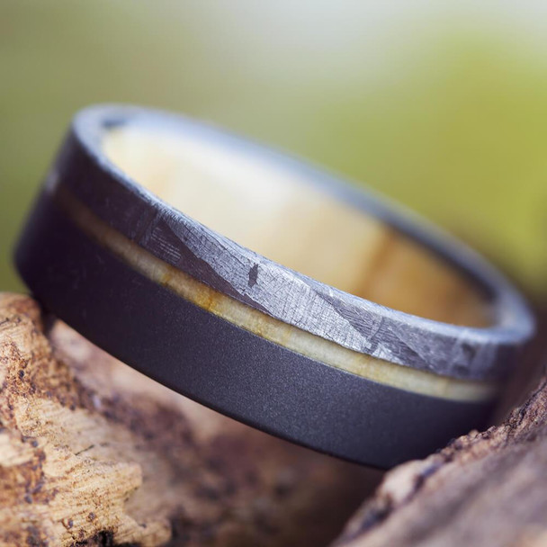 7 mm Meteorite with Aspen Wood Sleeve in Sandblasted Titanium - AW608M