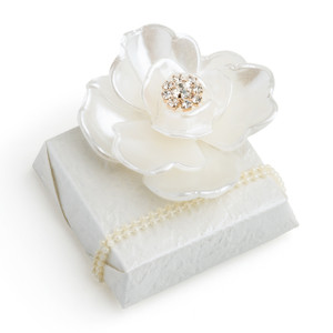 Decorated Chocolate w/Pearl Flower