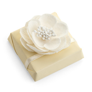 Wedding Favor Decorated Chocolate topped with Flower/Ivory