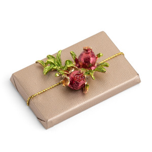 TRADITION- Pomegranate Decorated Rectangle Chocolate