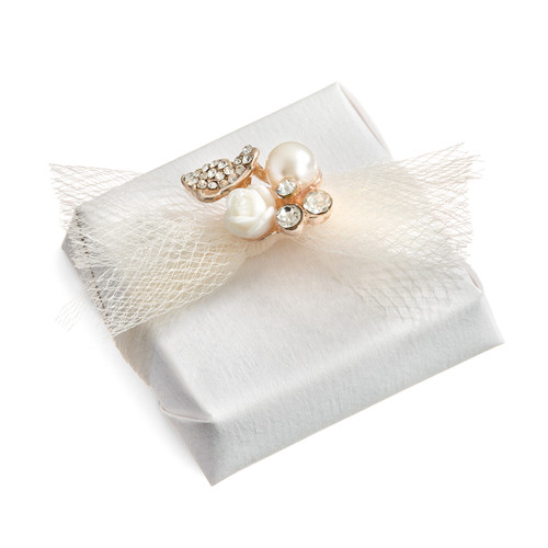 Decorated Square Chocolate/Tulle + Imitation Pearl Flower Emb.