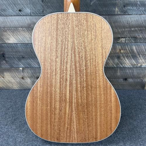 Larrivee P-03 Recording Series Acoustic Sitka Spruce Top Mahogany Back Ebony FB 136737