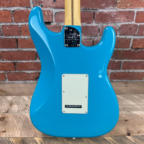 Fender American Professional II Stratocaster Left-Hand Rosewood Fingerboard Miami Blue US210063704