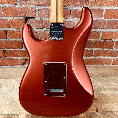 Fender Player Plus Stratocaster Pau Ferro Fingerboard Aged Candy Apple Red MX21118153