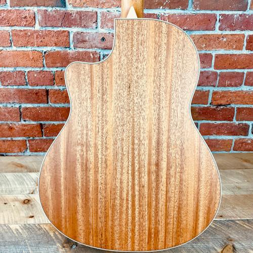 Larrivee LV03e Acoustic Spruce Top Mahogany Back Stagepro Element Pickup  136709
