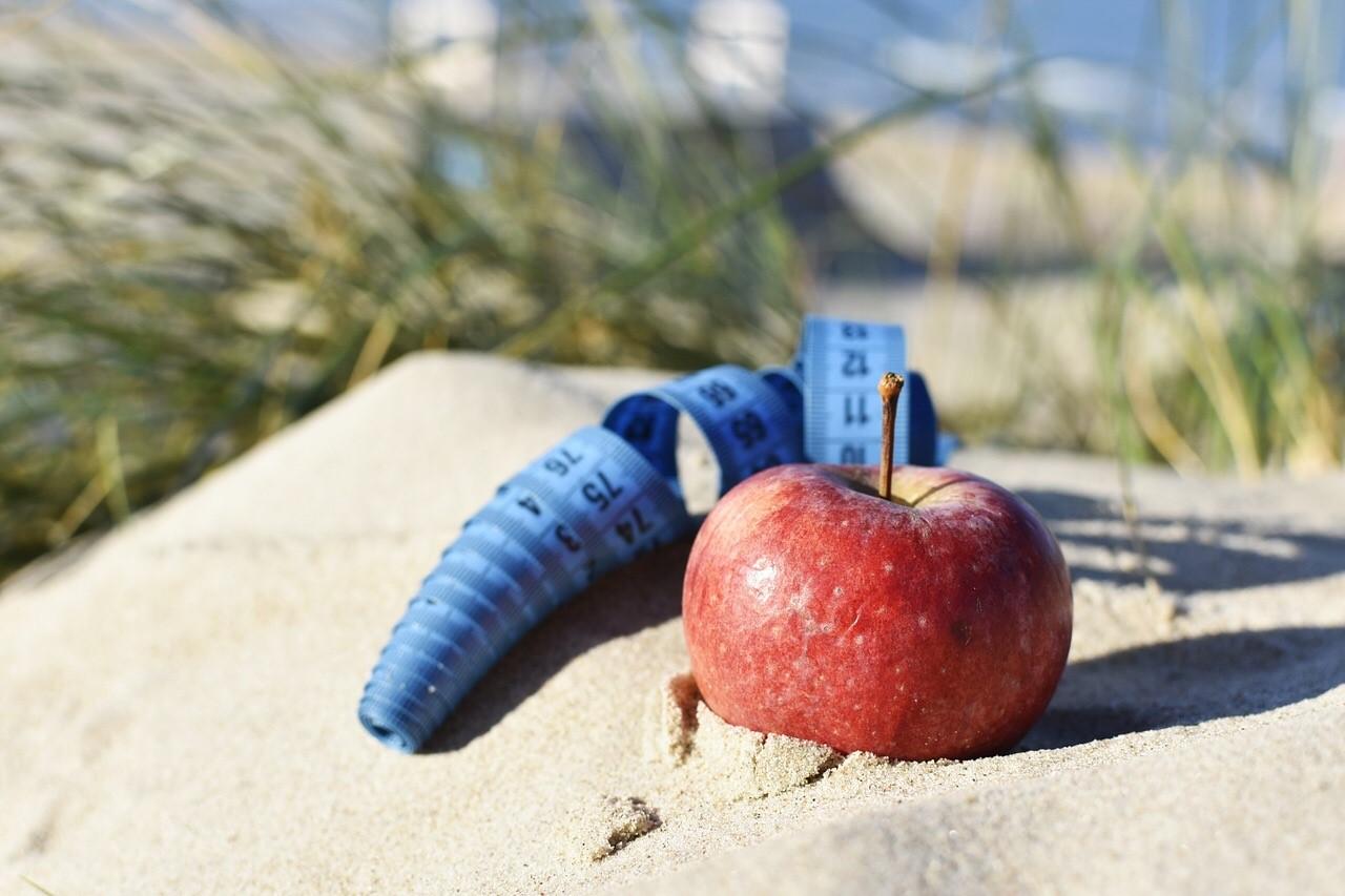 apple-measure-sand.jpg