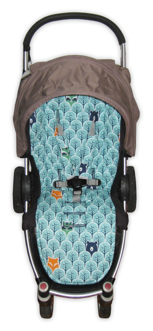 Peekaboo universal fit pram liner set photographed in Steelcraft Agile