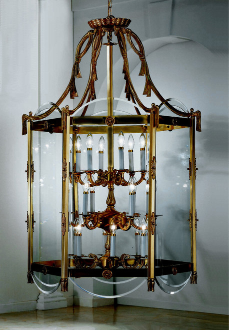 Classic Lighting 7952 VBZ Charleston Cast Brass Lantern in Victorian Bronze