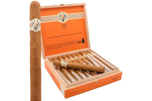 AVO XO Maestoso Churchill Cigar