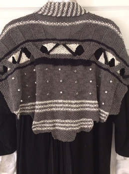 Grey/Black/Cream Back