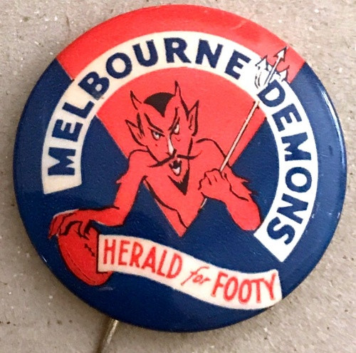 1962 Herald For Footy MELBOURNE DEMONS Badge
